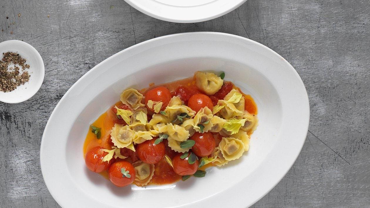 Gefüllte Pasta mit Ofen Tomatensauce