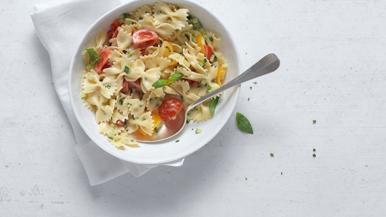 Pasta Salat mit feinem Gemüse