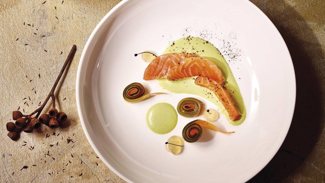 Lachs, Gurke, Karotte, Erbse, Äpfel
