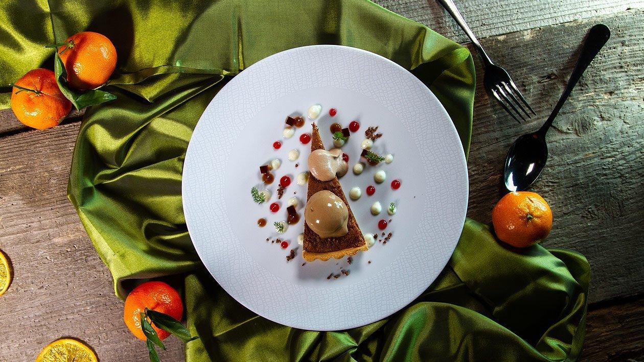 Schokoladen - Tarte mit Maracuja - Schokoladen Espuma und Gefrorener Kaffee Creme Brülee