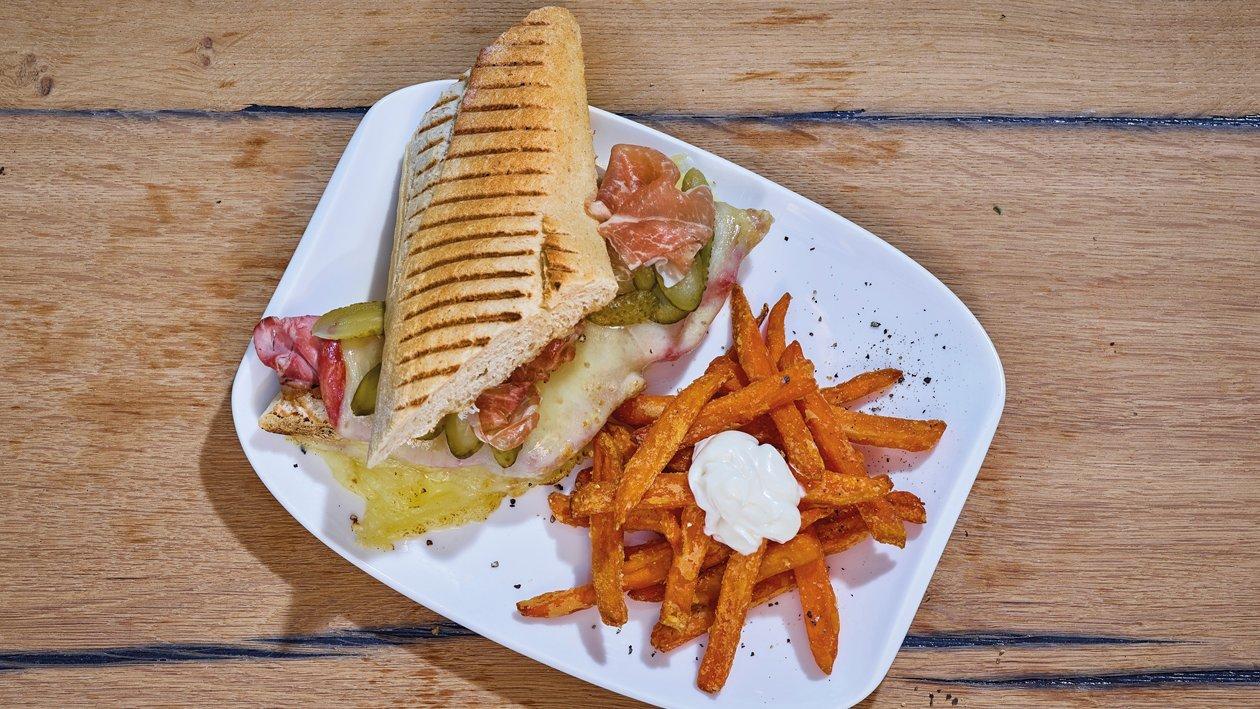 Cuba Sandwich mit Süsskartoffel - Pommes