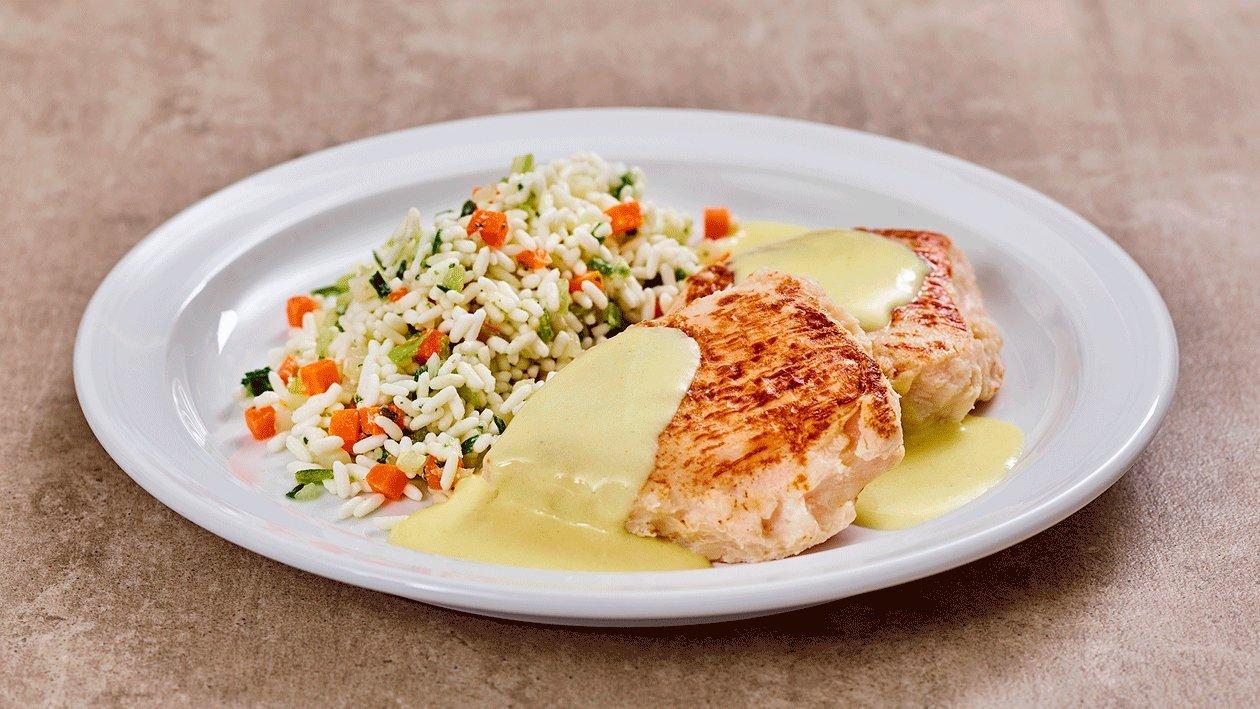 Putenbrust- Steak mit Curry Sauce und Gemüsereis