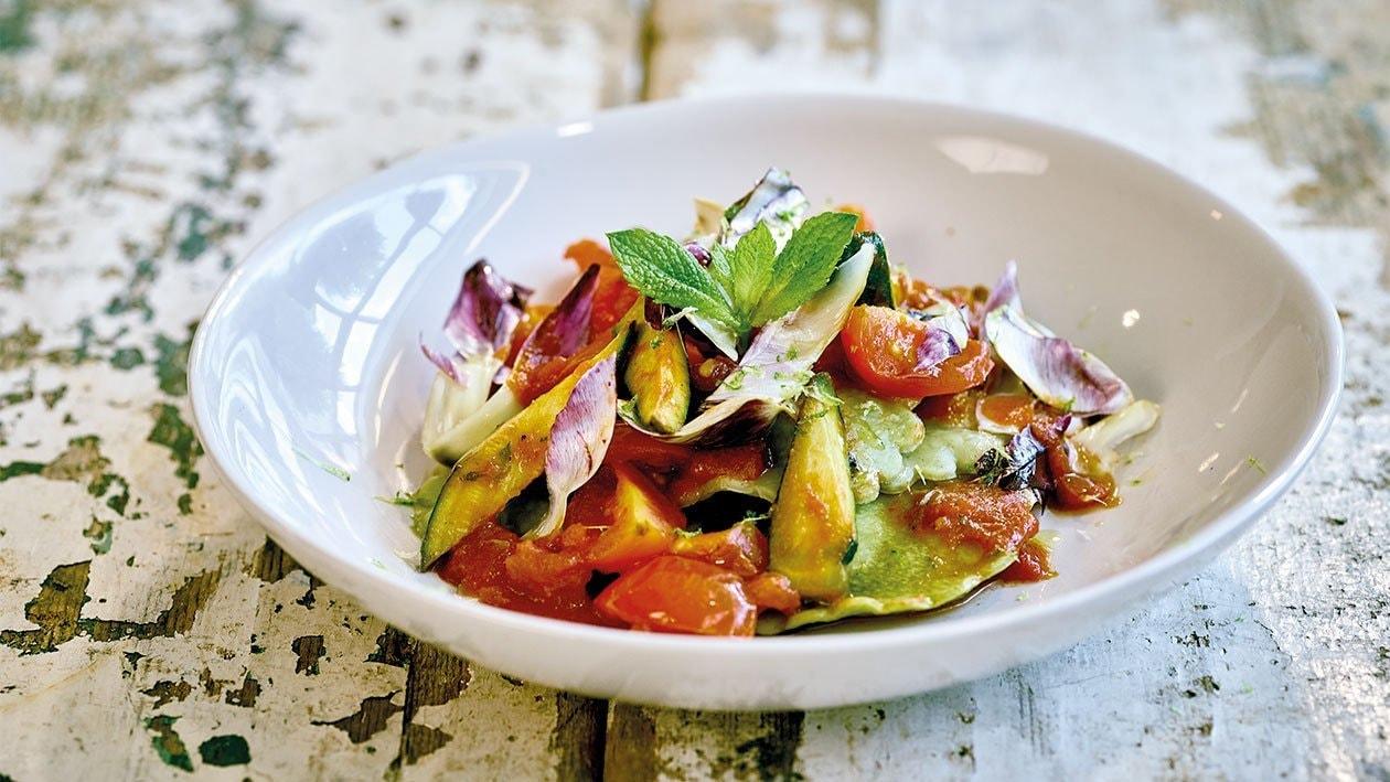 Ravioli mit Ziegenkäse und mediteranem Gemüse