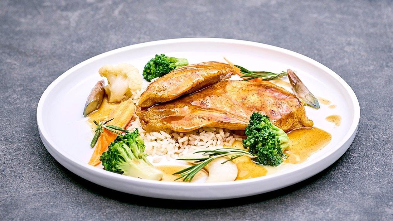 Gegrillte Hühnerbrust mit Butterreis und Rosmarinjus